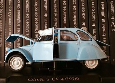 LEO Models 1/24 Citroën 2CV4